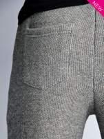 Szare melanżowe spodnie dresowe w stylu casual
