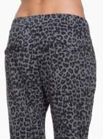 Szare panterkowe spodnie dresowe