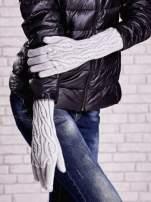 Szare rękawiczki o warkoczowym splocie z błyszczącą nicią
