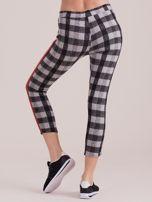Szare spodnie w kratę z kolorowymi lampasami                                  zdj.                                  2