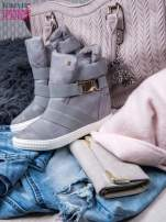 Szare zamszowe sneakersy bandage z klamerką Lucky                                  zdj.                                  1