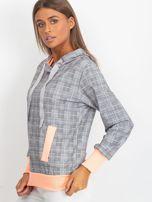 Szaro-brzoskwiniowa lekka bluza w kratkę z kapturem i troczkami                                  zdj.                                  3