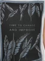 Szaro-czarny t-shirt  z nadrukiem piórek                                  zdj.                                  8