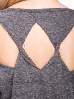 Szary melanżowy t-shirt o luźnym kroju                                  zdj.                                  11