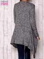 Szary sweter z otwartym dekoltem                                  zdj.                                  3