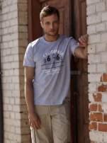 Szary t-shirt męski z nadrukiem mostu i napisem CALIFORNIA 66                                  zdj.                                  1