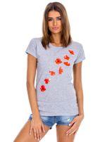 Szary t-shirt z czerwonymi kwiatami                                  zdj.                                  1