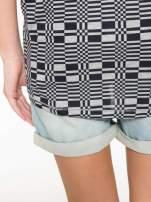 Szary t-shirt z geometrycznym nadrukiem                                  zdj.                                  11