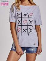 Szary t-shirt z motywem serce i krzyżyk                                                                          zdj.                                                                         1
