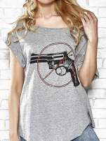 Szary t-shirt z nadrukiem rewolweru Funk n Soul                                  zdj.                                  5