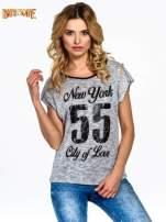 Szary t-shirt z napisem NEW YORK CITY OF LOVE 55                                                                          zdj.                                                                         1