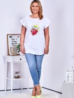 T-shirt biały z truskawką PLUS SIZE                                  zdj.                                  4