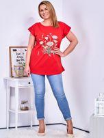 T-shirt czerwony z nadrukiem roślinnym PLUS SIZE                                  zdj.                                  4