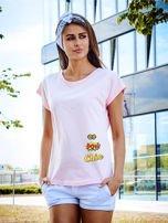 T-shirt damski różowy z naszywkami                                  zdj.                                  1
