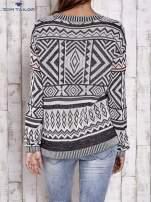 TOM TAILOR Biały sweter w etnicznym stylu z frędzlami                                   zdj.                                  2