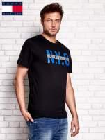 TOMMY HILFIGER Czarny t-shirt męski z napisem N.Y.C                                  zdj.                                  2