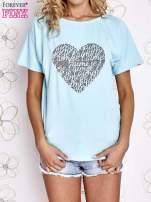 Turkusowy t-shirt z napisem JE T'AIME i dekoltem na plecach