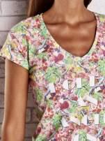 Wzorzysty t-shirt z motywem roślinnym i napisami                                                                          zdj.                                                                         5