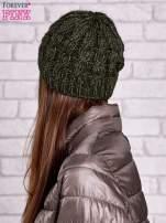 Zielona czapka z metaliczną nicią                                  zdj.                                  2