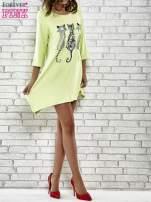 Zielona sukienka damska z nadrukiem kotów                                  zdj.                                  2
