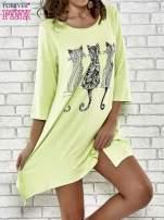 Zielona sukienka damska z nadrukiem kotów                                  zdj.                                  1