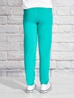 Zielone spodnie dresowe dla dziewczynki z pandą                                  zdj.                                  2