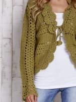 Ecru sweter z wiązaniem                                                                          zdj.                                                                         5