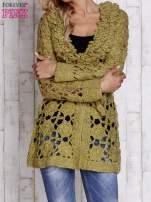 Ecru sweter  z wiązaniem w pasie