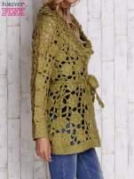 Zielony sweter  z wiązaniem w pasie                                                                          zdj.                                                                         3