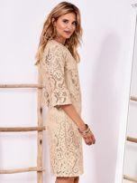 Złota koronkowa sukienka z szerokimi rękawami                                  zdj.                                  3