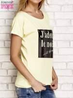 Żółty t-shirt z napisem J'ADORE LE NOIR                                  zdj.                                  3
